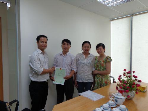 Trao bang Duc Minh